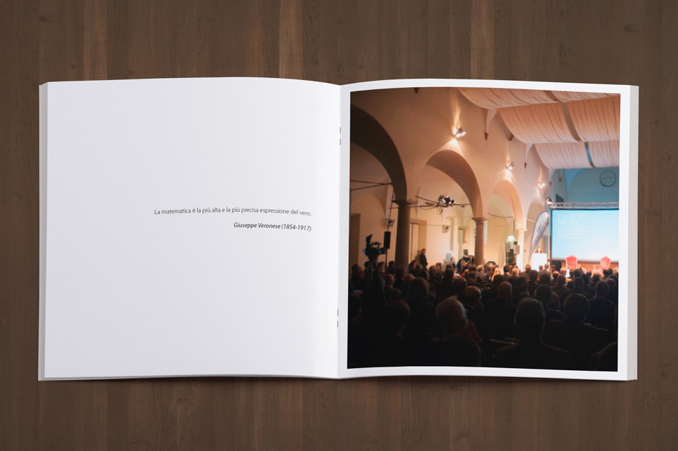 2017-08-25-BROCHURE-DESIGN-Copertina-Event-Book-Evento-Metel-2013_Mock-up-12